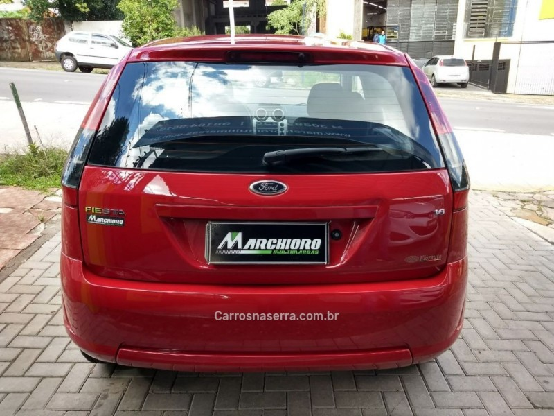 FIESTA 1.6 SE HATCH 16V FLEX 4P MANUAL - 2014 - CAXIAS DO SUL