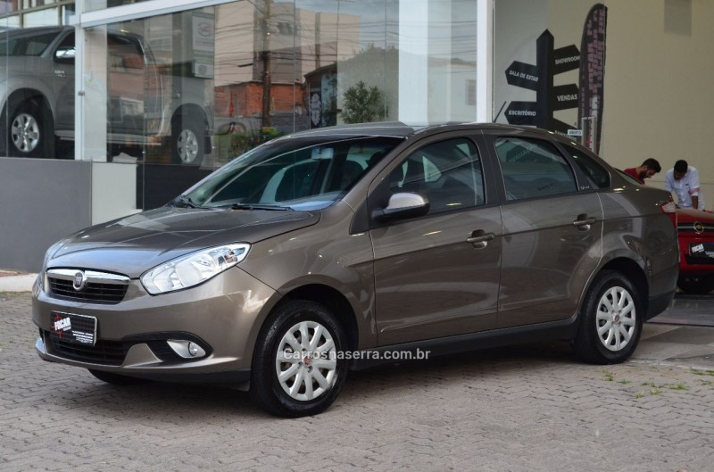 grand siena 1.4 mpi attractive 8v flex 4p manual 2013 caxias do sul