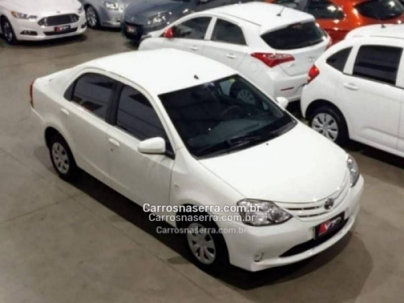 etios 1.5 xs sedan 16v flex 4p manual 2014 caxias do sul