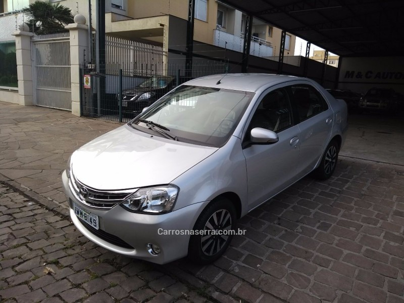 etios 1.5 platinum sedan 16v flex 4p manual 2015 caxias do sul