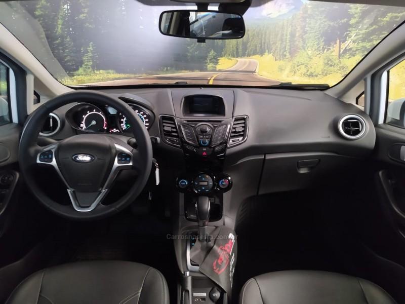 FIESTA 1.6 TITANIUM HATCH 16V FLEX 4P AUTOMÁTICO - 2017 - CAXIAS DO SUL