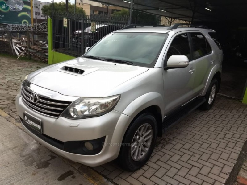 hilux sw4 3.0 srv 4x4 7 lugares 16v turbo intercooler diesel 4p automatico 2013 caxias do sul