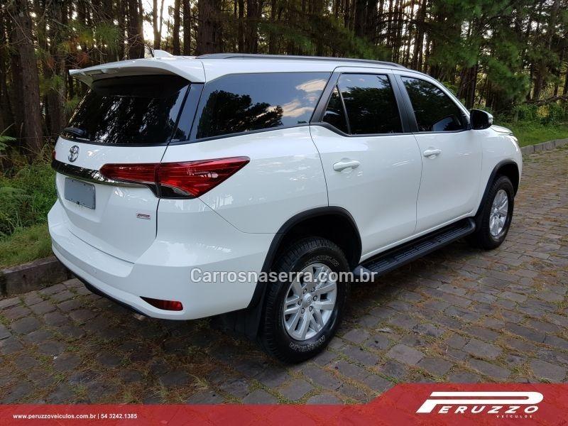 HILUX SW4 2.7 SR 4X2 16V FLEX 4P AUTOMÁTICO - 2017 - NOVA PRATA