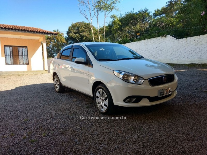 grand siena 1.4 mpi attractive 8v flex 4p manual 2017 caxias do sul