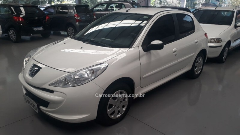 207 1.4 active 8v flex 4p manual 2014 nova prata