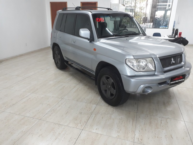 pajero tr4 2.0 4x4 16v 131cv gasolina 4p automatico 2006 caxias do sul