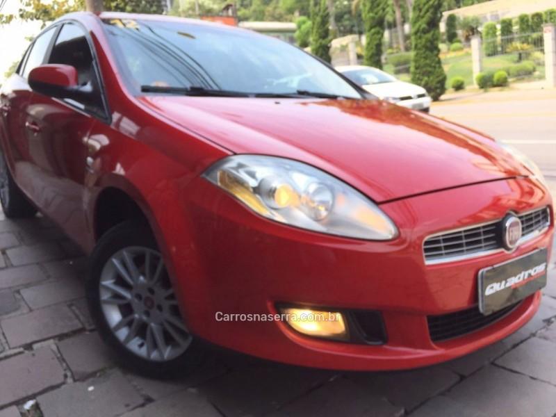 bravo 1.8 essence 16v flex 4p automatizado 2012 caxias do sul