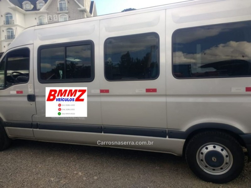 master 2.5 dci minibus l3h2 16 lugares 16v diesel 3p manual 2013 gramado