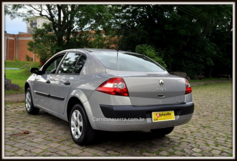 MÉGANE 2.0 EXPRESSION SEDAN 16V GASOLINA 4P AUTOMÁTICO - 2008 - CAXIAS DO SUL