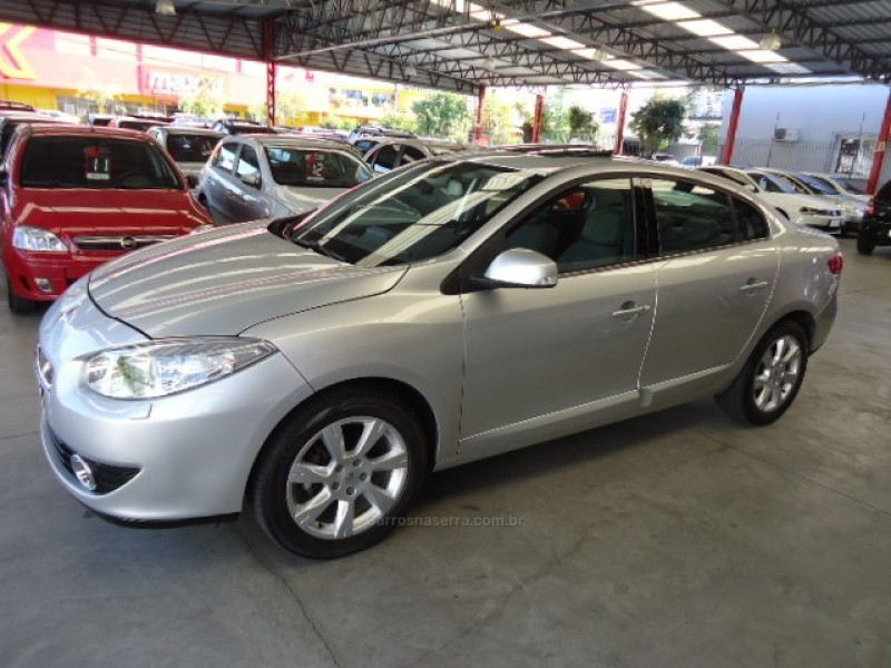 fluence 2.0 privilege 16v flex 4p automatico 2012 caxias do sul