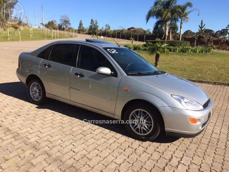 focus 2.0 ghia sedan 16v gasolina 4p manual 2002 caxias do sul