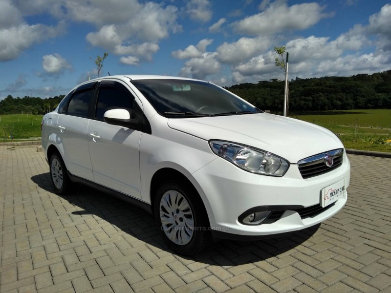 grand siena 1.4 mpi attractive 8v flex 4p manual 2015 caxias do sul
