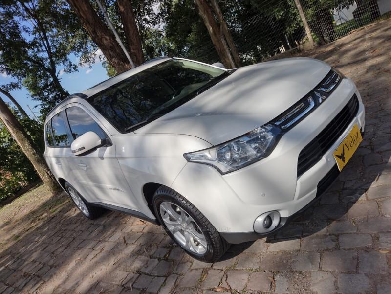 outlander 2.0 16v gasolina 4p automatico 2014 caxias do sul