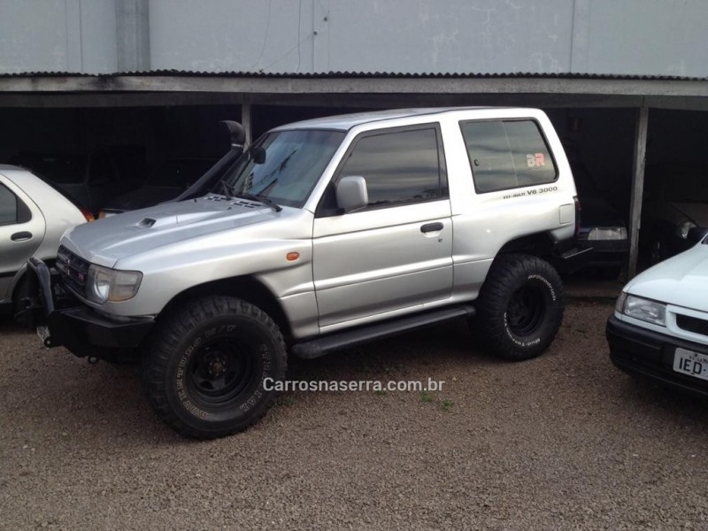 pajero 3.0 gls 4x4 v6 24v gasolina 2p manual 1998 caxias do sul