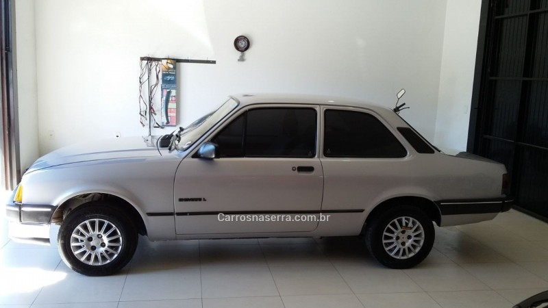 chevette 1.6 l 8v gasolina 2p manual 1993 bom principio