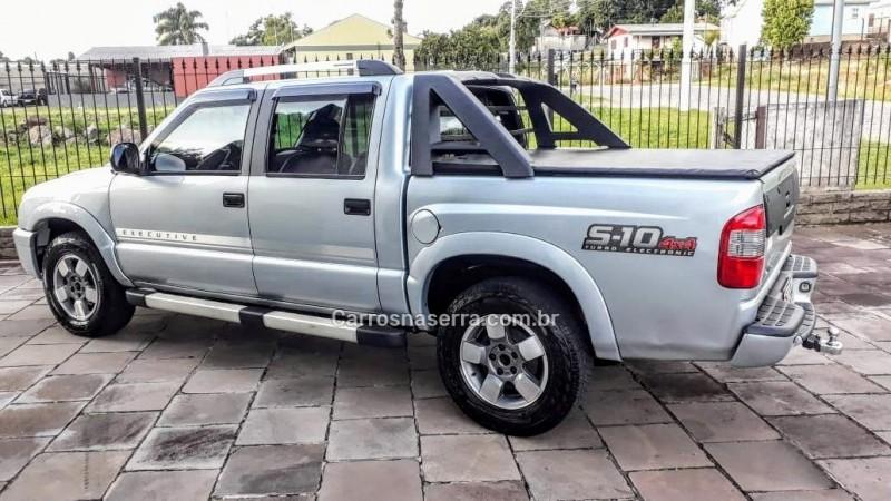 s10 2.8 executive 4x4 cd 12v turbo electronic intercooler diesel 4p manual 2011 caxias do sul