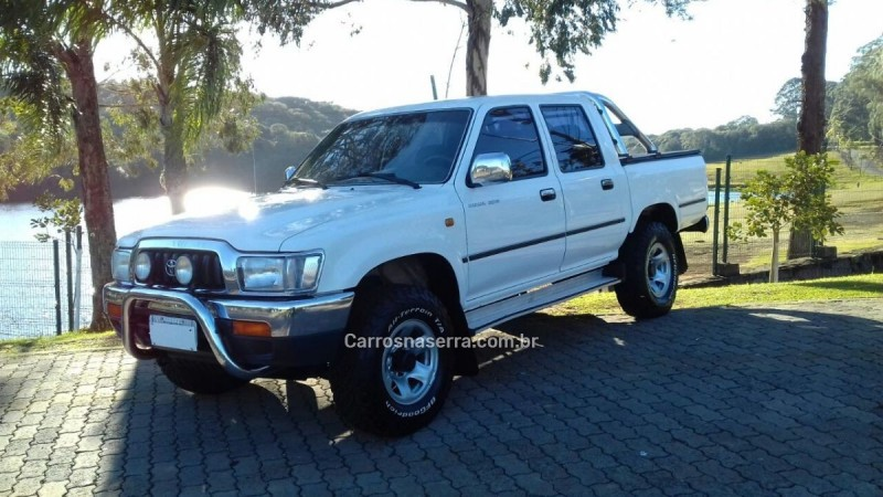 hilux 3.0 srv 4x4 cd 16v turbo diesel 4p manual 2002 caxias do sul