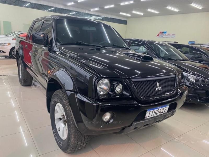 l200 2.5 sport hpe 4x4 cd 8v turbo intercooler diesel 4p automatico 2005 vacaria