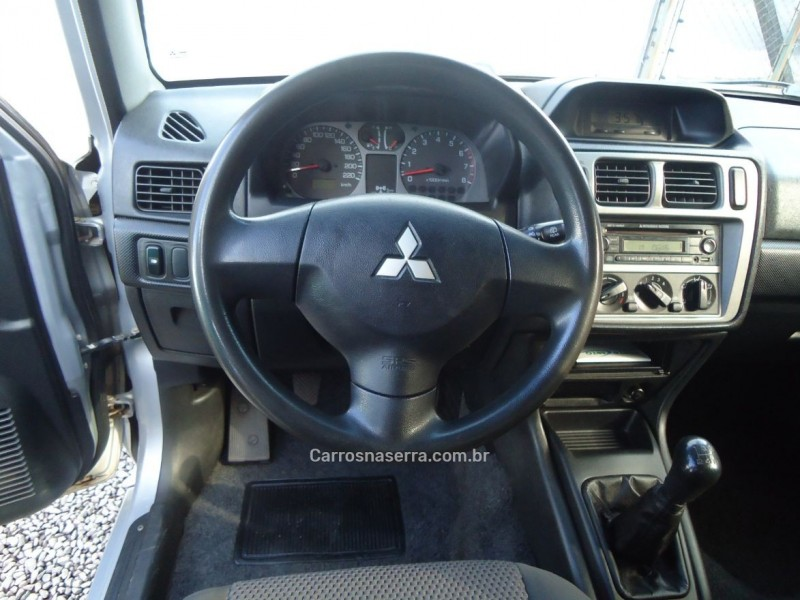 PAJERO TR4 2.0 4X4 16V 131CV GASOLINA 4P MANUAL - 2009 - CAXIAS DO SUL