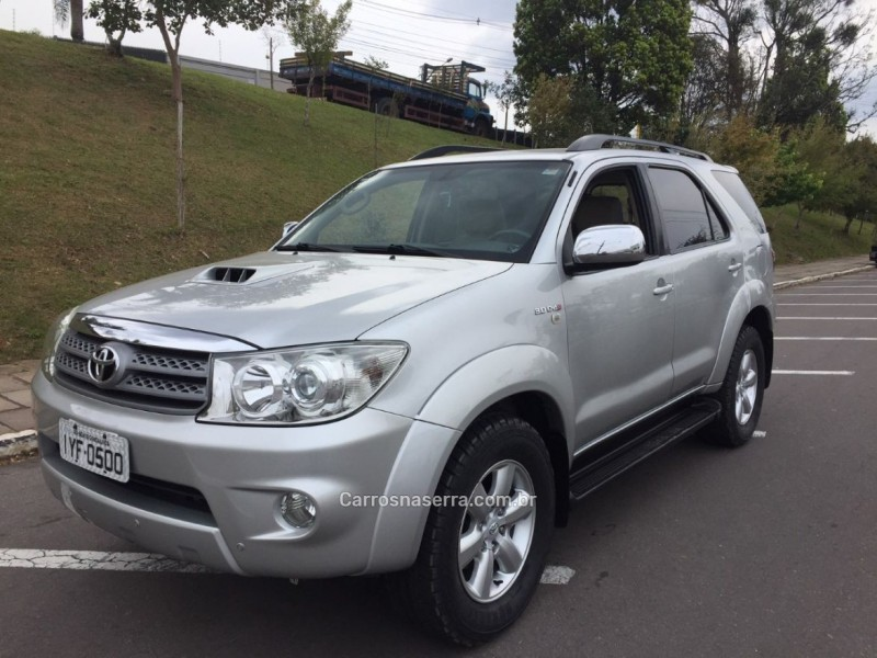 hilux sw4 3.0 srv 4x4 7 lugares 16v turbo intercooler diesel 4p automatico 2010 bento goncalves