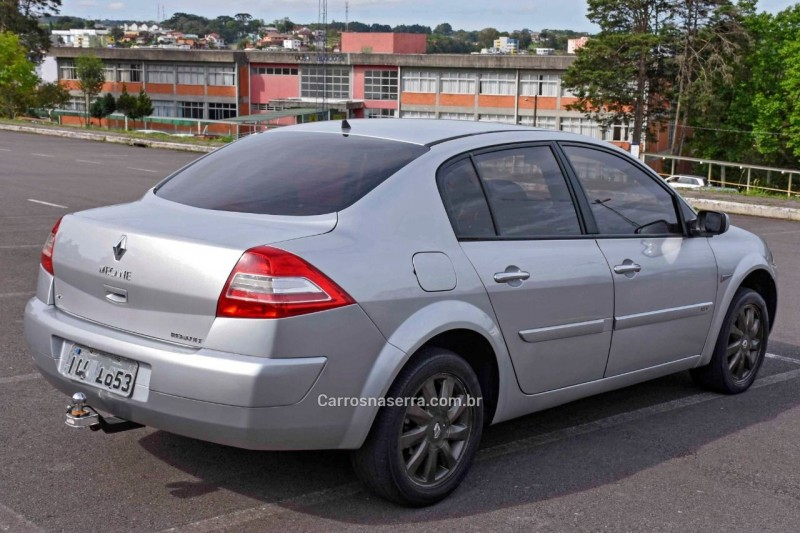 megane 1.6 dynamique 16v flex 4p manual 2010 caxias do sul