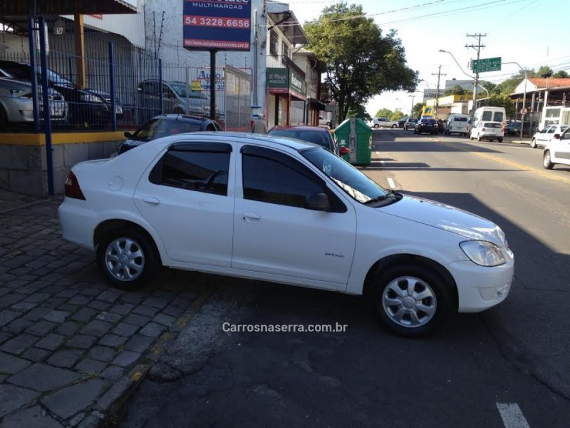 PRISMA 1.4 MPFI MAXX 8V FLEX 4P MANUAL - 2009 - CAXIAS DO SUL