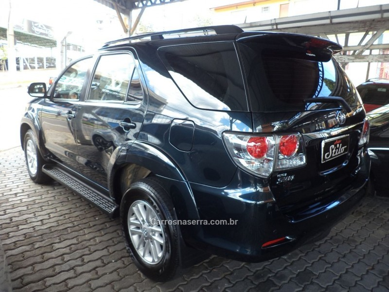 HILUX SW4 3.0 SRV 4X4 7 LUGARES 16V TURBO INTERCOOLER DIESEL 4P AUTOMÁTICO - 2012 - BENTO GONçALVES