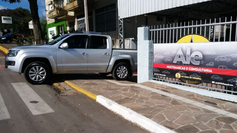 amarok 2.0 highline 4x4 cd 16v turbo intercooler diesel 4p automatico 2012 garibaldi