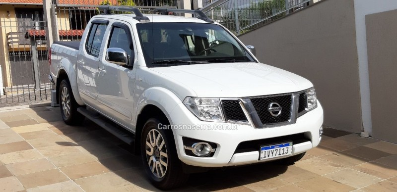 frontier 2.5 sl 4x4 cd turbo eletronic diesel 4p automatico 2015 bento goncalves