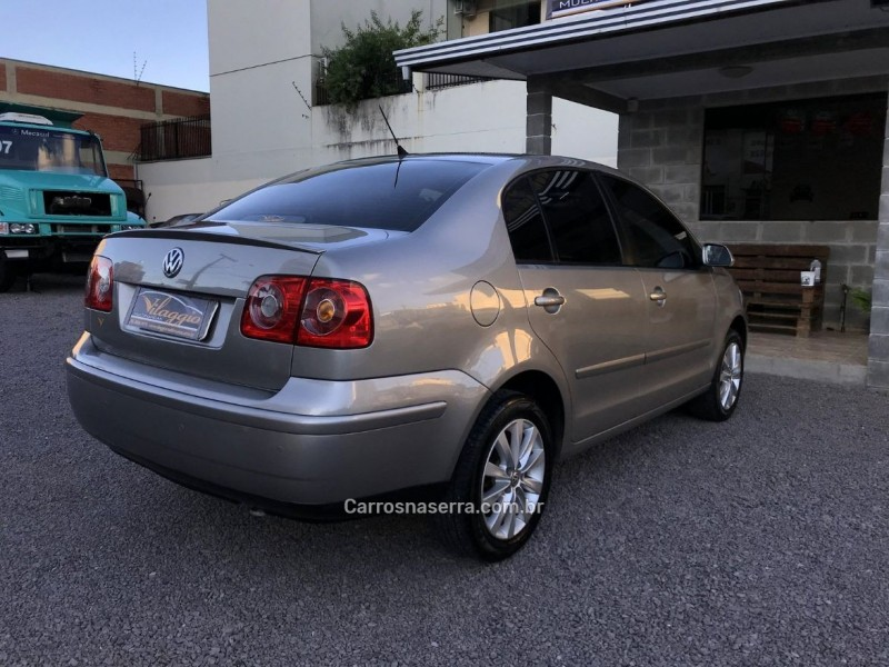 POLO SEDAN 1.6 MI 8V FLEX 4P MANUAL - 2012 - CAXIAS DO SUL