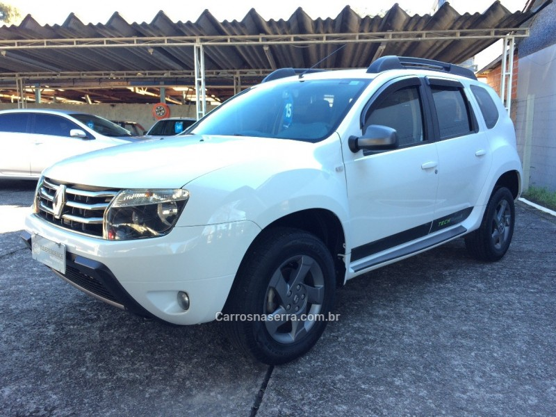 DUSTER 2.0 TECH ROAD 4X2 16V FLEX 4P MANUAL - 2015 - GARIBALDI