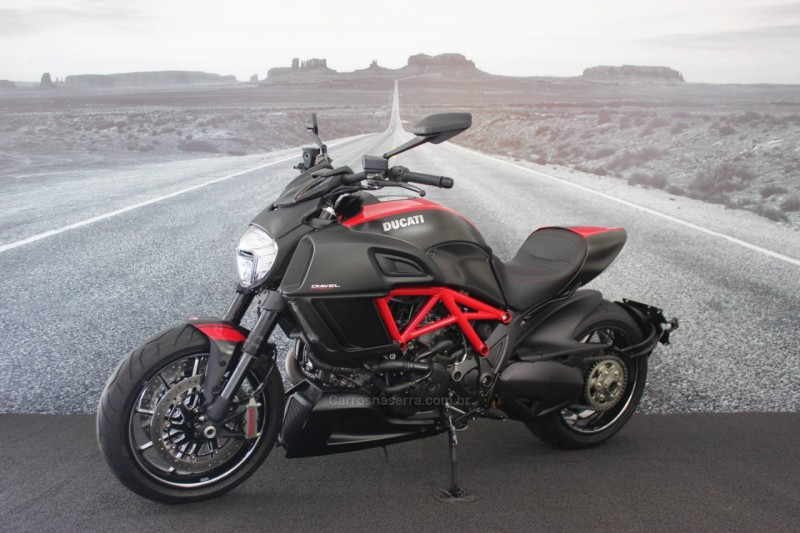 diavel carbon 2015 lajeado