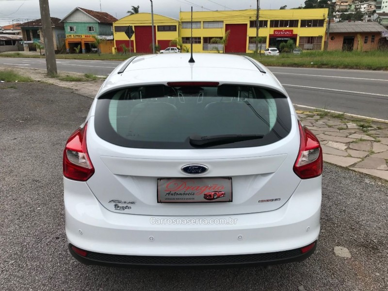 FOCUS 1.6 SE 16V FLEX 4P POWERSHIFT - 2015 - CAXIAS DO SUL