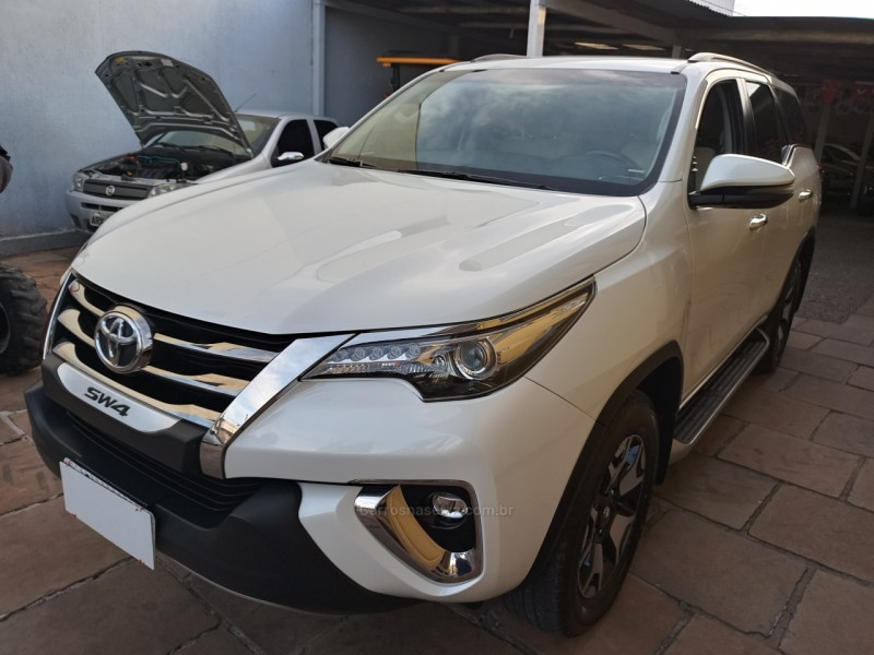 hilux sw4 2.8 srx 4x4 7 lugares 16v turbo intercooler diesel 4p automatico 2019 bento goncalves