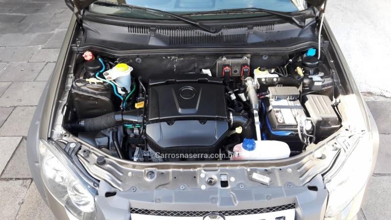 PALIO 1.8 MPI ADVENTURE LOCKER WEEKEND 16V FLEX 4P MANUAL - 2011 - GARIBALDI