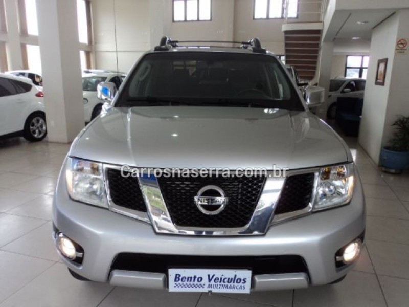 frontier 2.5 sl 4x4 cd turbo eletronic diesel 4p automatico 2014 bento goncalves