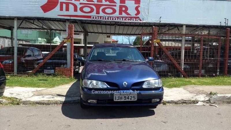 megane 2.0 rxe sedan 16v gasolina 4p manual 2000 caxias do sul