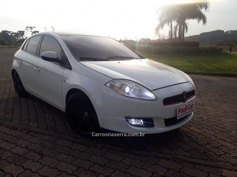 bravo 1.8 essence 16v flex 4p manual 2012 caxias do sul