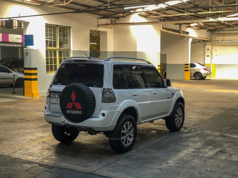 PAJERO TR4 2.0 4X4 16V 140CV FLEX 4P AUTOMÁTICO - 2014 - CAXIAS DO SUL