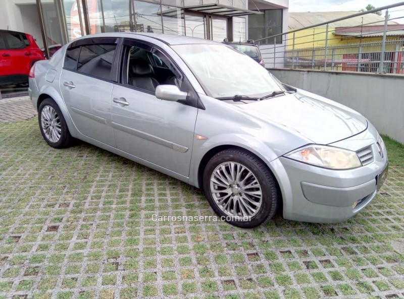 megane 2.0 dynamique sedan 16v gasolina 4p automatico 2007 caxias do sul