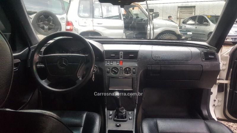 C 180 1.8 16V GASOLINA 4P MANUAL - 1995 - CAXIAS DO SUL