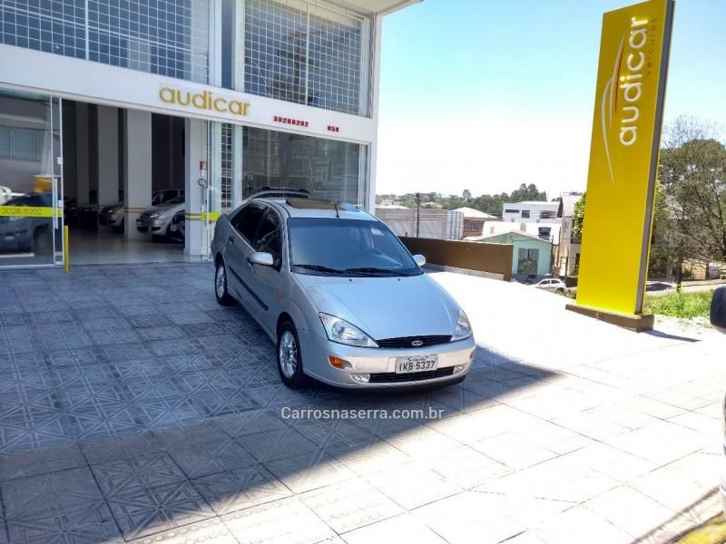 focus 2.0 ghia sedan 16v flex 4p manual 2001 caxias do sul