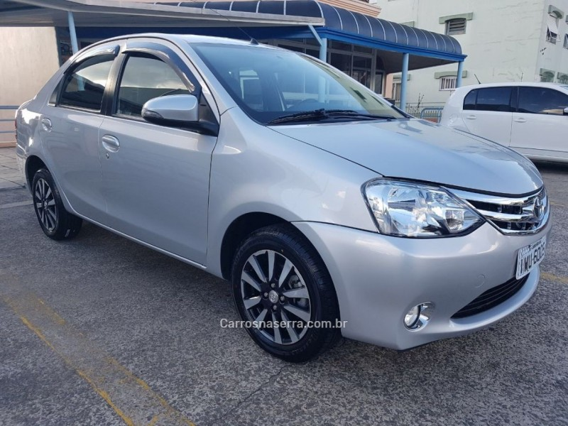 etios 1.5 platinum sedan 16v flex 4p manual 2016 caxias do sul