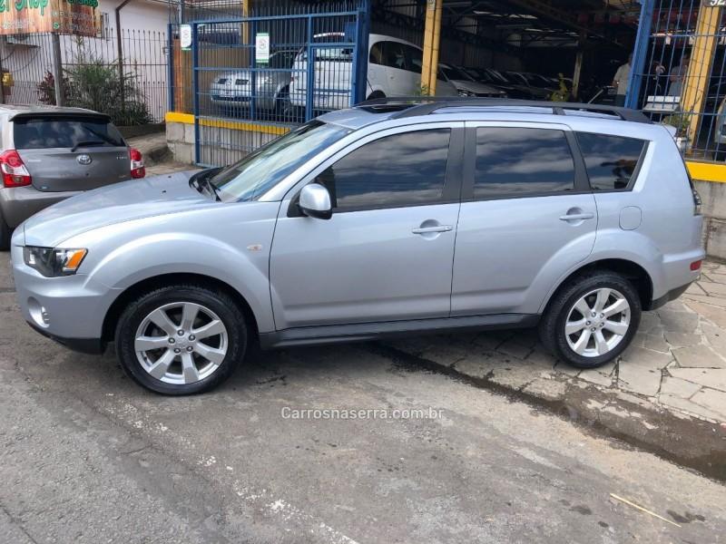 outlander 2.0 16v gasolina 4p automatico 2013 caxias do sul