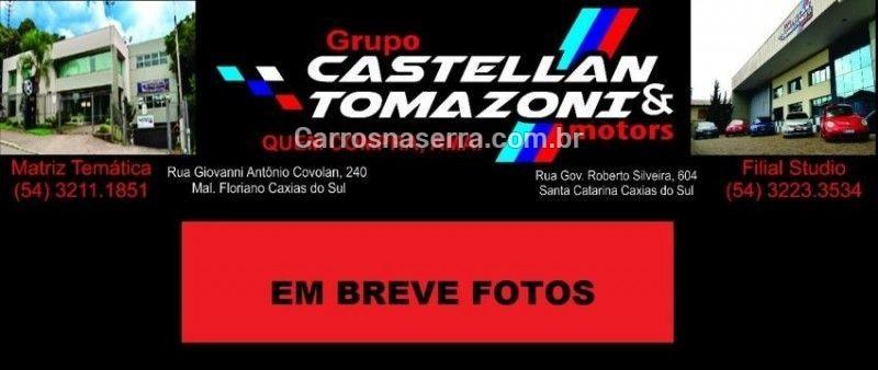 focus 2.0 ghia 16v gasolina 4p manual 2001 caxias do sul