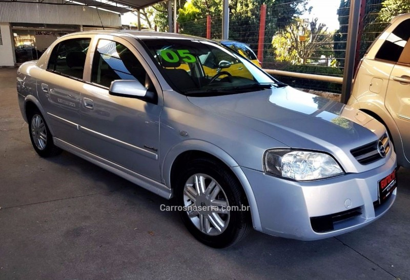astra 2.0 mpfi comfort sedan 8v flex 4p manual 2005 caxias do sul