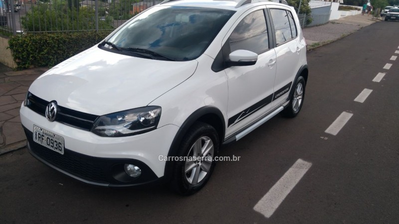 CROSSFOX 1.6 MI FLEX 8V 4P MANUAL - 2011 - NOVA PRATA