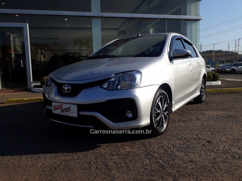 etios 1.5 platinum sedan 16v flex 4p automatico 2017 caxias do sul