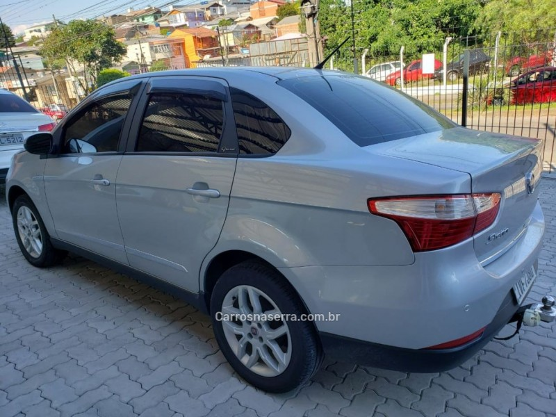 grand siena 1.6 mpi essence 16v flex 4p automatizado 2014 caxias do sul