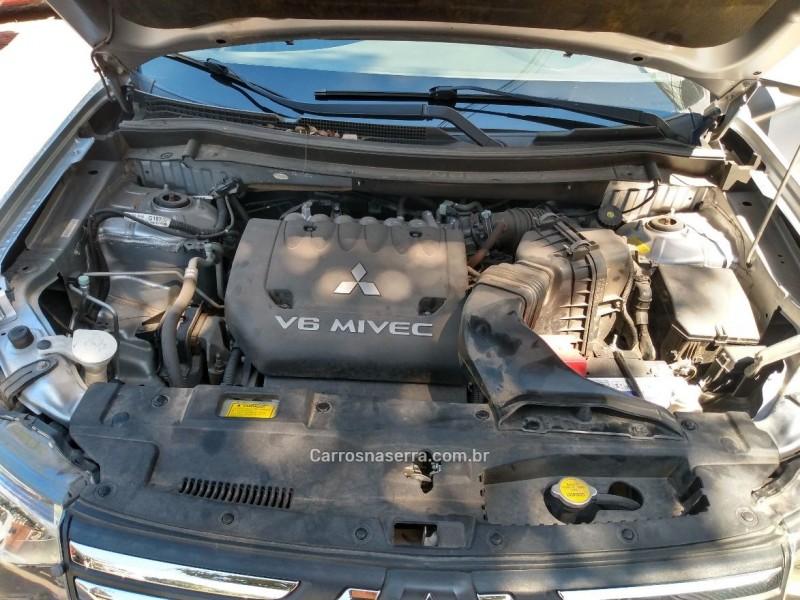 outlander 3.0 gt 4x4 v6 24v gasolina 4p automatico 2014 bento goncalves